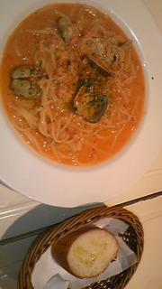 ズワイ蟹と浅利のトマトクリームスパゲッティー