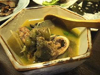 青海亀の煮込み
