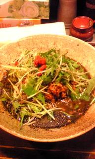 黒ゴマタンタン麺