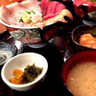 海鮮4色丼