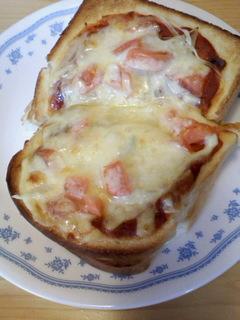 スクランブルエッグトースト