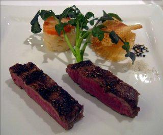 特選和牛フィレ肉の暖炉焼き