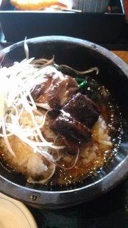豚の角煮とチンゲン菜と石焼膳