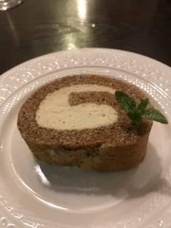 フォアグラクリームのロールケーキ