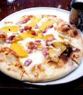 安納芋とベーコンのスィートピザ