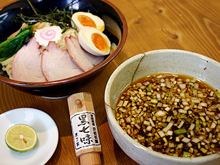 つけ麺+煮玉子トッピング