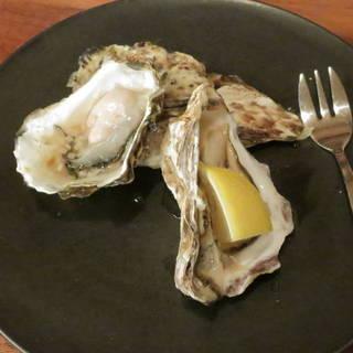 生牡蠣の盛り合わせ