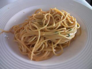新鮮なウニのクリームスパゲッティ