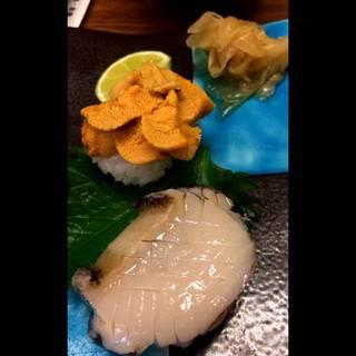 ウニとアワビのお寿司