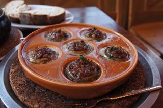 丸ごとマッシュルームのマドリード風オーブン焼き