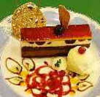 ダークチェリーとチョコのケーキ