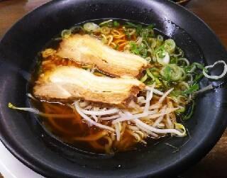 牛骨鶏ガラ醤油ラーメン