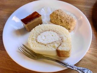 白醤油のロールケーキ