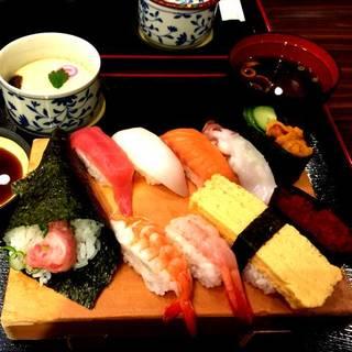 寿司屋の厳選ランチセット