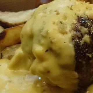 ハンバーグ チーズソース