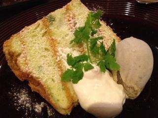 野菜を使ったシフォンケーキとアイス盛り合わせ