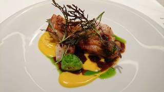 博多一番鶏モモ肉のグリッリアカチャトーラソース