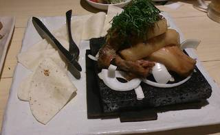 じっくり煮込んだ黒豚の角煮