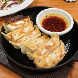 餃子 鉄鍋焼き