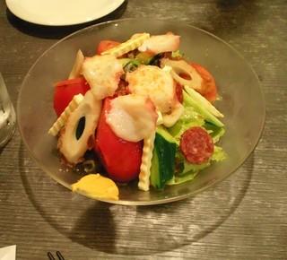 宮島スペシャルサラダ