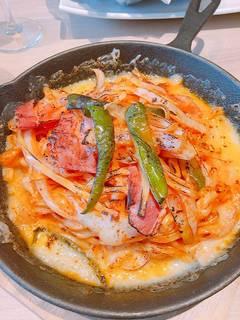 燻製ベーコンのチーズナポリタン