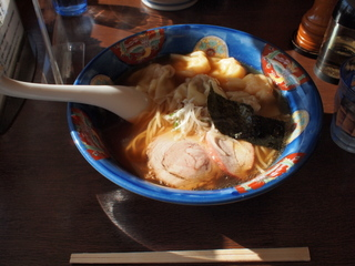 特製ワンタン麺