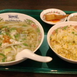 タイ国惣菜屋台料理ゲウチャイ成田