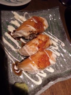 炙りサーモンとイクラの親子寿司