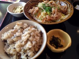 日替わり定食 豚肉の肉味噌炒め