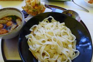 甲州名物 おざら (鶏つくねのつけ麺)