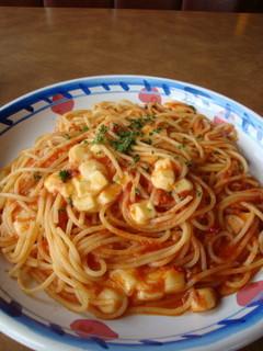 モッツァレアチーズとトマトのパスタ