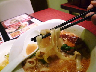 角煮の刀削麺