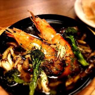季節の野菜と海老のアヒージョ