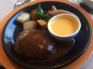 ごろごろ野菜のチーズフォンデュハンバーグ ハンバーグ&ソーセージ