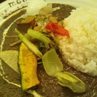 欧風カレー季節の素揚げ野菜付き