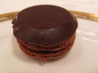 チョコキャラメルマカロン