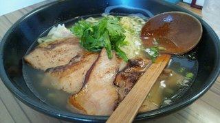 豚トロチャーシュー塩らー麺