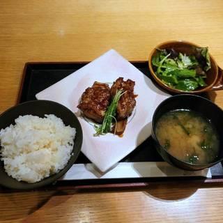黒須とバルサミコ酢のとろける酢豚御膳