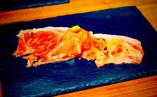 黒毛和牛霜降りサーロイン寿司