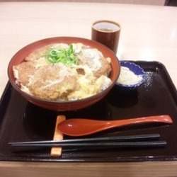 どんぶり専門店 丼丼亭 大阪ホワイティうめだ店