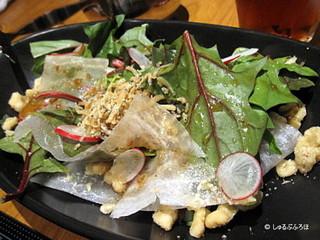 赤茎ほうれん草のサラダ