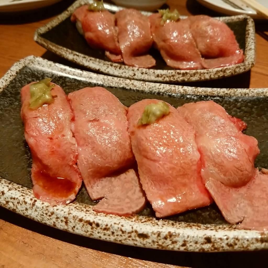 ・黒毛和牛の炙り握り寿司