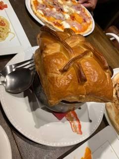 国産牛と野菜のビーフシチュー パイ包み焼き