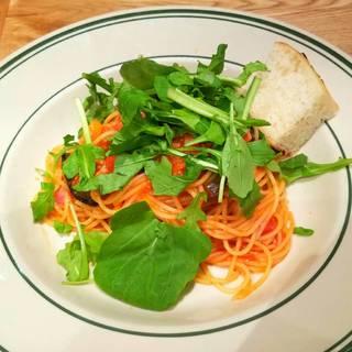 茄子と2種のトマト 自家製ベーコンとのトマトソースのスパゲッティー