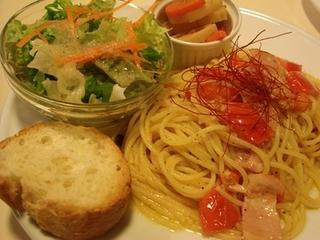 トマトとベーコンのペペロンチーノ