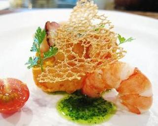 人参のムース 海老、カニ、帆立貝のサラダ添え
