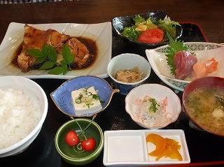 銀ムツ煮魚定食