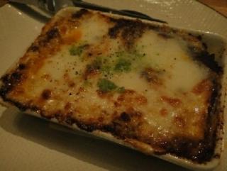 水牛モッツァレラチーズとミートソースのラザニア