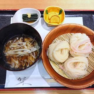 稲庭素麺 黒豚つけ麺