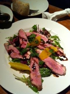 フランス産カモ胸肉のロティ赤ワインソース